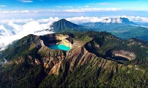 Kelimutu Vulkaan met drie gekleurde meren - Flores, Indonesië